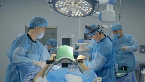 冷冻人体手术过程?资料视频截图